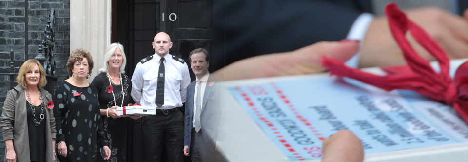 SOS Goodwin Sands deliver petition to No 10