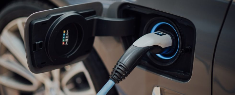 Electric Vehicle Charging Points Deal & Walmer